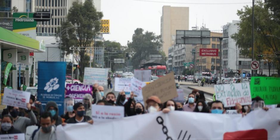 Científicos-fideicomisos-protesta