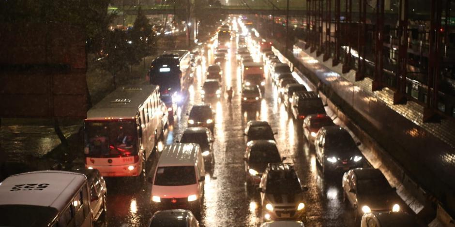 Caos vial por las lluvias en la CDMX