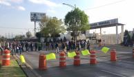 Policías federales bloquean Periférico, frente al Centro de Mando