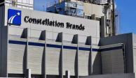 Caen 10.4% acciones de Constellation Brands tras negativa a construcción de planta