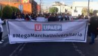 Estudiantes de Puebla entregan pliego petitorio; exigen seguridad