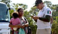 Migrantes, con opciones en México; Ebrard reprueba entrada por la fuerza