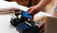 ¿Por qué nos piden identificación al pagar? Aquí te explicamos