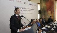 Domínguez Servién destaca paz laboral que existe en Querétaro