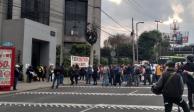 Trabajadores del IPN bloquean Constituyentes; exigen aumento salarial