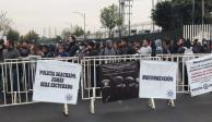 Policías federales bloquean vialidades de Periférico; exigen liquidación