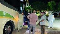 Salen de Yucatán 48 británicos rumbo a Londres en puente humanitario