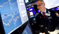 Wall Street y BMV ganan ante esperanza por menos casos de COVID-19