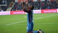 Suspenden a futbolista inglés hasta fin de temporada por apuestas ilegales