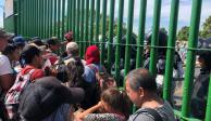 Tras arribo de caravana, refuerzan seguridad de puente fronterizo en Chiapas