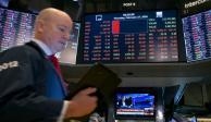 Bolsas del mundo se 'derrumban' ante temor por Covid-19
