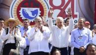 """Analiza AMLO dar """"marcha atrás"""" a última reforma sobre pensiones"""
