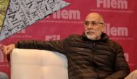 "Por Covid-19, Guillermo Arriaga cancela gira del libro ""Salvar el fuego"""