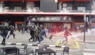 Pseudoaficionados de Valencia y Barça pelean afuera del estadio (VIDEO)