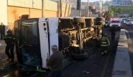 Vuelca autobús de pasajeros en la México-Pachuca; hay 19 heridos
