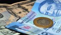 Peso recupera 0.68%; dólar cotiza en $23.85 por unidad en bancos