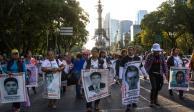 """Reconoce AMLO que esclarecimiento del caso Iguala """"se ha complicado"""""""