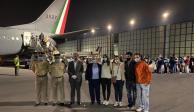México ayuda a repatriar a 300 argentinos y va por connacionales en Argentina