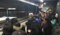 Reanudan tramo de Tren Ligero, pero usuarios se quejan del servicio
