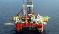 Falta de acuerdo en OPEP tira petróleo