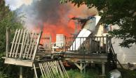 Avioneta se estrella con una casa en Nueva York y deja 2 muertos