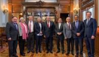 López Obrador asegura a IP que no hay persecución fiscal