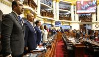Tras ser disuelto, Congreso suspende al presidente de Perú