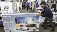 Ingresos de comercios minoristas caen 2.3% en octubre
