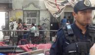 En la Roma, policías desalojan a familias de inmueble dañado por el 19S