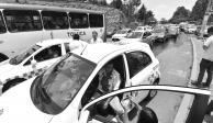 Se enfrentan policías y taxistas tras operativos de tránsito en Toluca