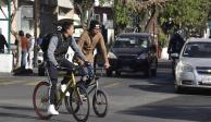 Usar transporte público o bici, piden autoridades capitalinas ante desabasto de gasolina