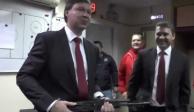 VIDEO: Reconocen a jugador de hockey con una AK-47 en Rusia