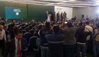 Disminución de huachicol, Reforma Educativa, arancel a jitomate... temas de AMLO en su mañanera