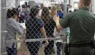 Protestan en EU contra albergue para niños migrantes en base militar en Oklahoma