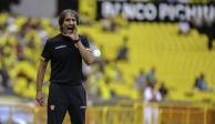 Guillermo Almada es anunciado como nuevo entrenador de Santos