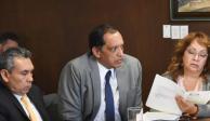 Pide Sheinbaum renuncia a 2 funcionarios por viajar en avión privado