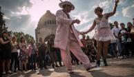Festival inunda de baile y fiesta el Monumento a la Revolución