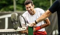 Djokovic sufrió, pero avanzó a los Octavos de Final de Wimbledon