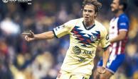 América golea 4-1 a unas Chivas que terminan con dos jugadores menos