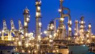 Gobiernos pasados robaron 8 mdd que eran para refinerías: AMLO
