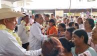 En Guerrero, gobernador Astudillo sigue llevando apoyos a la Costa Chica
