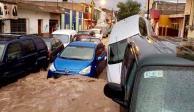 VIDEOS: Tromba arrastra más de 40 vehículos en Matehuala, SLP