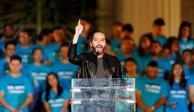 """Tribunal de El Salvador acusa de """"violar la ley"""" a candidato favorito a la Presidencia"""