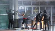 """Atacan Rectoría; UNAM denuncia a """"comando de delincuentes"""""""