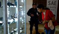 Inicia en Los Pinos subasta de joyas; lo recaudado, para caminos de Michoacán