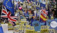Miles de personas marchan en Londres por rechazo a Brexit