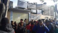 Padres que acusan abusos sexuales en kínder protestan en Eje 3 Sur