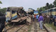 Choque de trenes deja 16 muertos y 58 heridos en Bangladesh