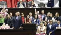 AMLO promete no reelegirse; oposición ve inicio de campaña