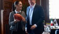 Claudia Sheinbaum se reúne con comisionado de la NFL